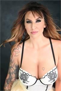 Lea Flores Photography - Boudoir Photographer